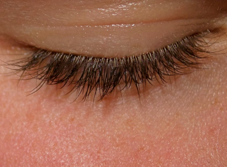 Super Long Eyelashes The Strange Saga Of Eyelash Enhancement Products